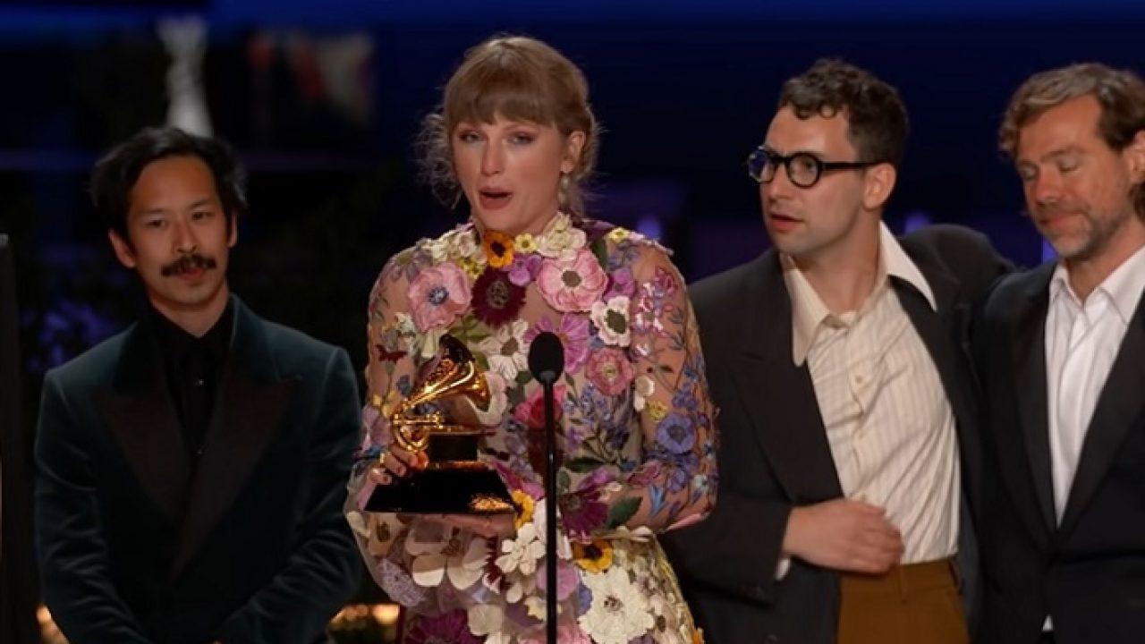 Vencedoras do Grammy: Taylor Swift.