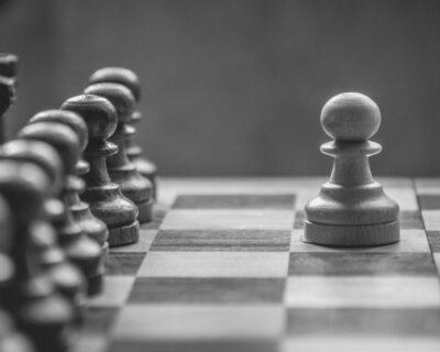 Vítor Véblen: O dominó e o xadrez.
