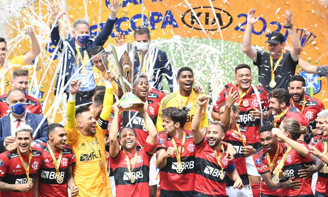 Flamengo leva a melhor em duelo de gigantes do futebol brasileiro