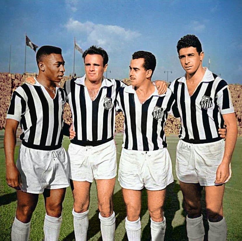 Este perfil colore fotos antigas (e clássicas) do futebol