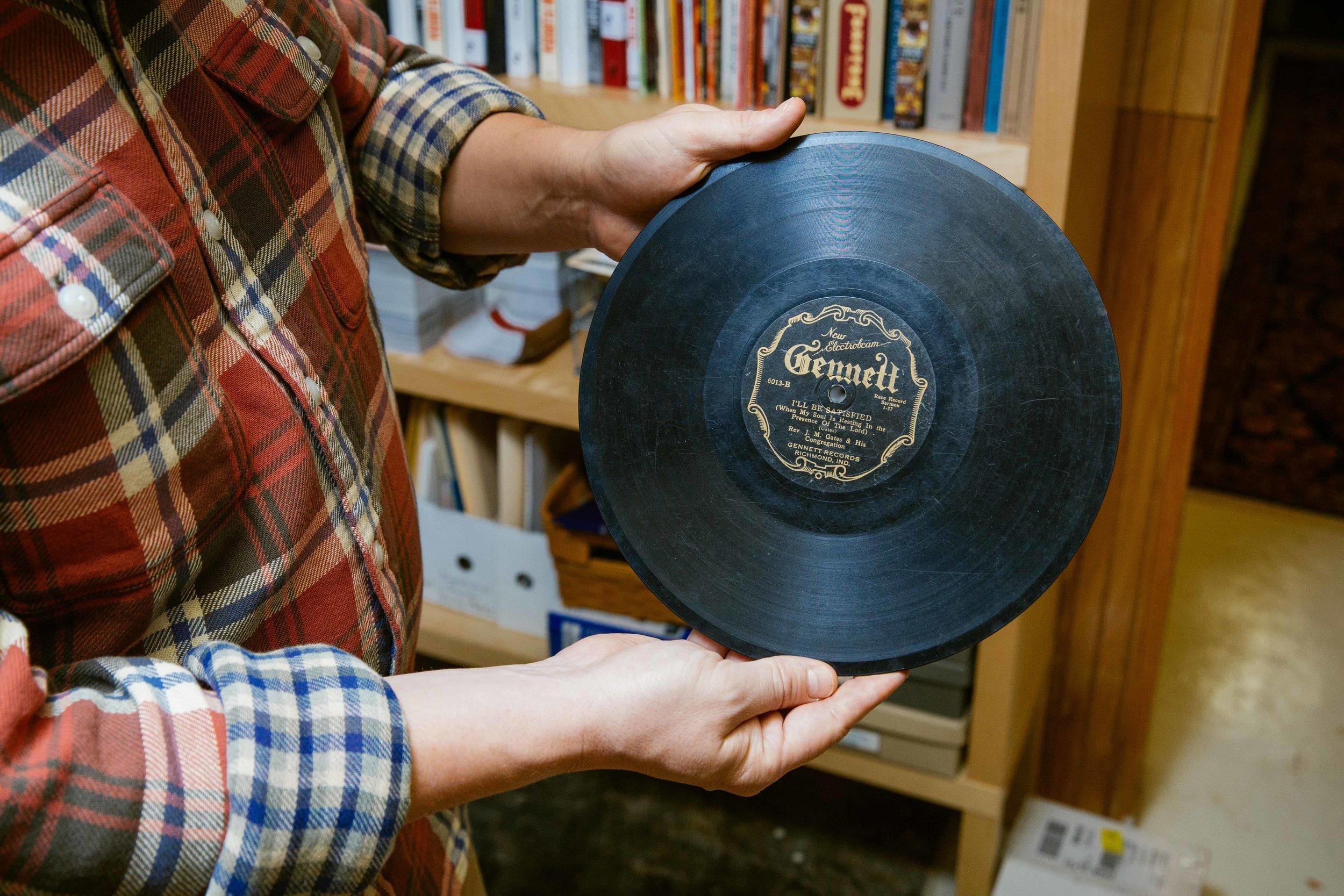 Do pó ao digital: um incrível acervo musical para ouvintes corajosos (ou aventureiros)