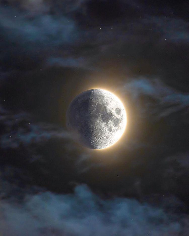 A luz e a sombra da Lua